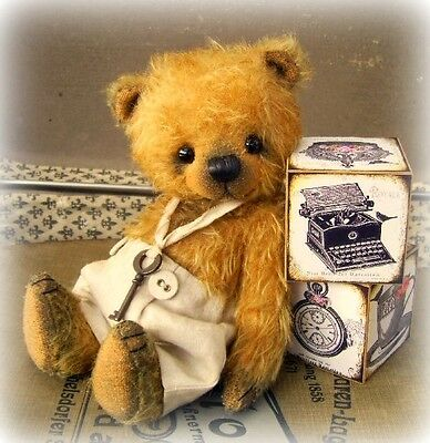 Mohair Bear Kit 7 inch Incl. Ready Made Shorts & Key