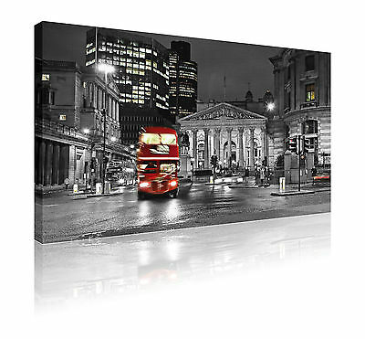 """20"""" x 30"""" Fantastic b&w London museum red bus scene canvas picture FREE P&P"""