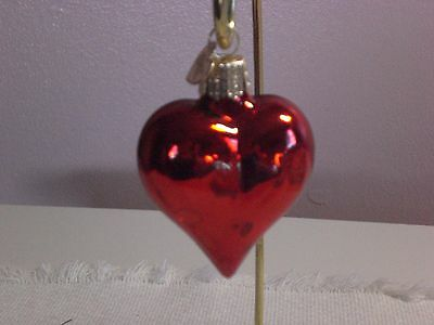 """Old World Chistmas """"Shiny Red Heart"""" Glass Ornament"""