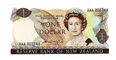 New Zealand … P-169a … 1 Dollar … ND(1981-5) … *UNC*   Prefix AAA.