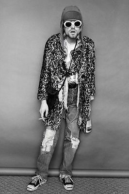 KURT COBAIN STANDING POSTER (61x91cm) NIRVANA MUSIC ART NEW LICENSED