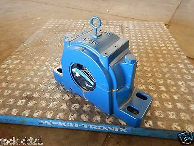 NEW SKF Roller Bearing & Pillow Block SAF 528 Self Aligning Spherical 22228 CCK