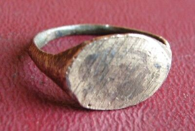 Antique Artifact > 19th Century Bronze Finger Ring SZ: 7 1/4 US 17.5mm 14419 DR