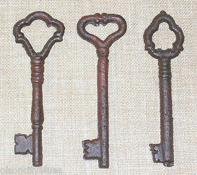 Set of 3 Antique-Style Cast Iron Skeleton Keys Rusted Distressed Finish