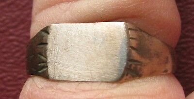 Antique Artifact   19th Century Bronze Finger Ring  SZ: 9 1/2 US 19.5mm 14382 DR