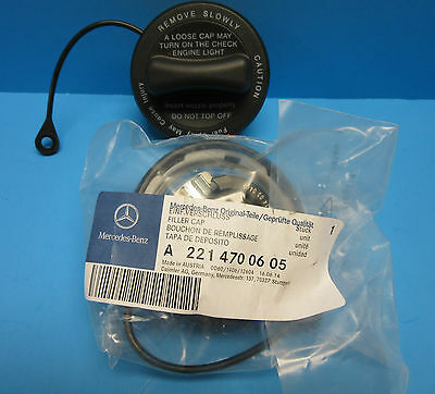 NEW Genuine Mercedes-Benz Fuel Gas Tank Filler Cap OEM# 230 470 04 05 With Strap