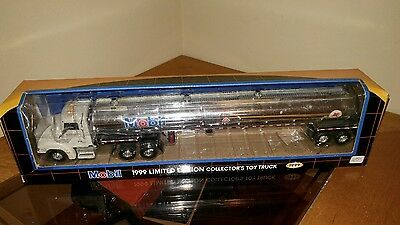 1999 MOBIL TOY TANKER LIMITED EDITION 7th IN A  COLLECTORS SERIES 1:43 CHINA