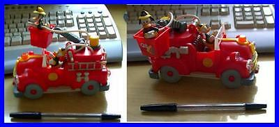 RARE ITALIAN Playset FIREFIGHTER TRUCK Donald Fethry DUCK DISNEY LIMITED Rare !!