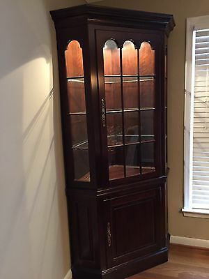 Vtg Pennsylvania House Corner China Cabinet Cherry Wood Furniture Hutch Curio