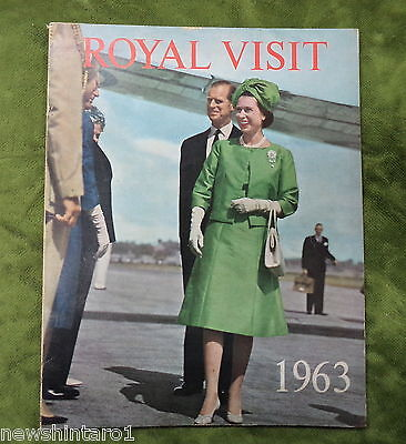 #t2.  1963  Queen Elizabeth Ii  Australian  Royal Visit Book, Pennant & Badge
