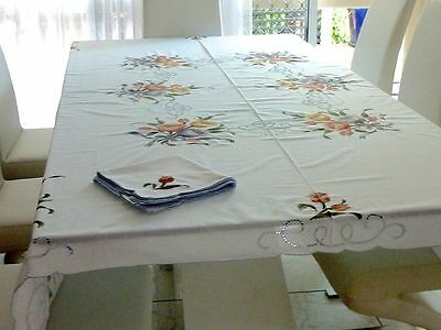 Stunning Vintage  Batiste Applique & Embroidery Hand Crafted Tablecloth 8 Napkin