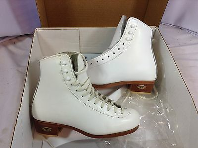Riedell Model 32 Figure Skate Boots Girls Size 2.5 NWD (FS141) IHH