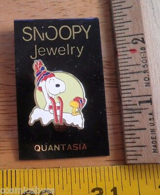 Snoopy Jewelry Quantasia Pin MOC VINTAGE Peanuts Woodstock in snowy nest