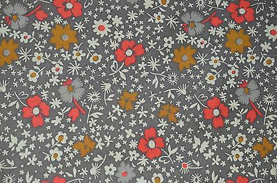 Gorgeous Fine Quality Light Weight Cotton Fabric W Striking Floral Design Rr918