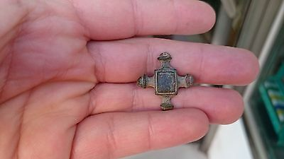NICE FIBULA OR PIN LAYER  VISIGOTHIC COMPLETE RARE CROIX FORM   4,7g
