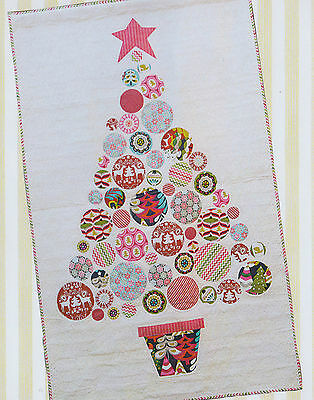 Oh Christmas Tree - applique & pieced quilt PATTERN - Kookaburra Cottage