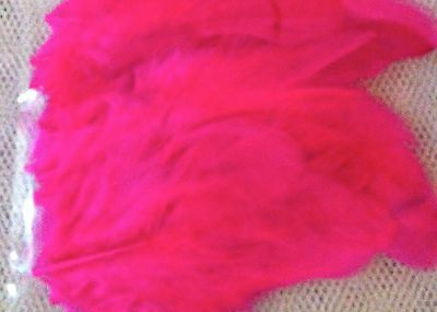 50 x PINK FEATHERS - Great for all Crafts!  Colourful, brightly dyed.
