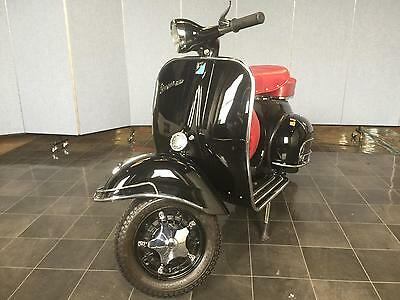 Piaggio Vespa Gt 150 Black With Red Seats 1962