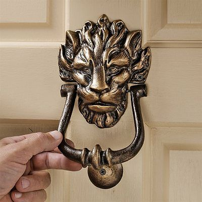 Design Toscano SP24007 10 Downing Street Lion Authentic Foundry Iron Door Knocke