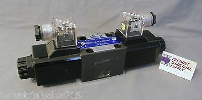 D03 hydraulic solenoid valve 4 way 3 position Tandem center 12 volt DC