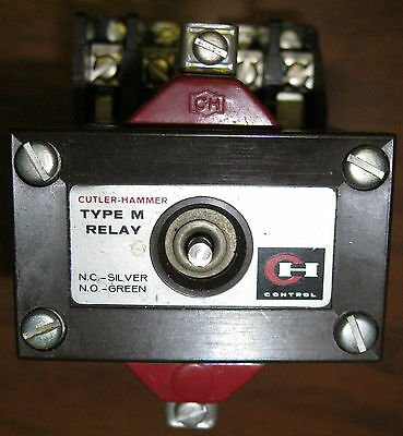 Cutler-Hammer D26MR402  Type M Latched Relay Series A2 120 VAC Coil