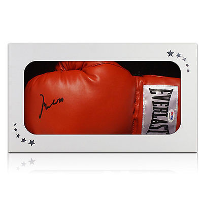 Muhammad Ali Signed Boxing Glove In Gift Box (PSA DNA 3A96864)
