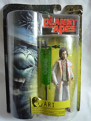 Planet Of The Apes Ari Figure With Battle Flag / Sealed