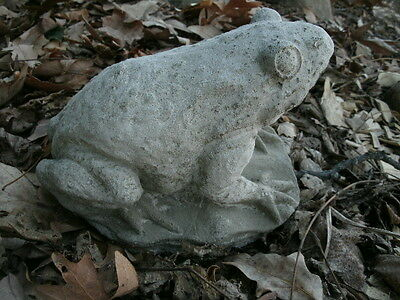 "Vintage 7.5"" Long Cement Frog Crouching On Lily Pad Garden Art Concrete Statue"