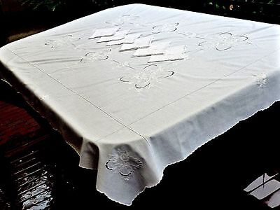 Beautiful Exquisite Fine White Irish Linen Madeira Hand Crafted Tablecloth & 6 N