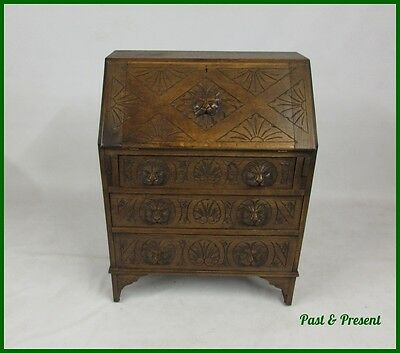 EARLY 20thC CARVED LION HEAD HANDLE OAK BUREAU - DELIVERY OPTION AVAILABLE