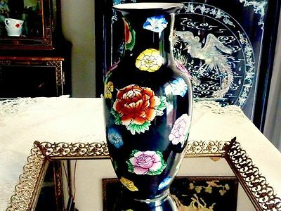 Wonderful Antique Famille Rose Large  Chinese Hand Crafted Vase