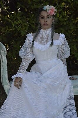 Vintage White Lace Chiffon Victorian Style Wedding Dress Gown