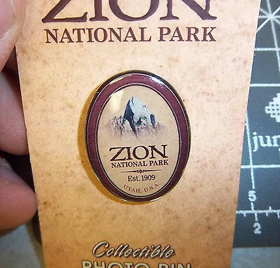 Zion National Park Utah Collector Lapel Pin, great white throne, oval style, NEW