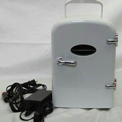 "11"" White Mini Fridge Mnbx4 Dc12V Portable"