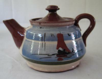 Small Motto Ware Teapot for One