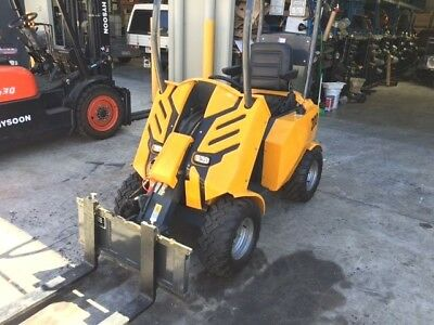 Seated and articulated mini loader