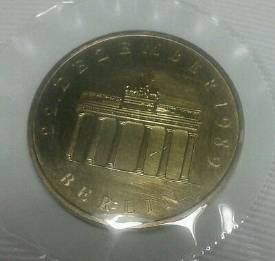 1990 20 Mark Berlin Germany DDR Coin
