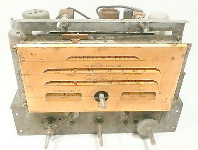 vintage GENERAL ELECTRIC F-665 ARM CHAIR RADIO: Working CHASSIS - lotsa stations