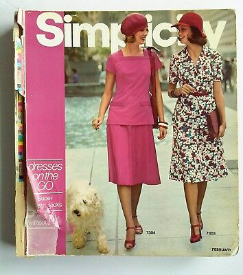 1975 SIMPLICITY Store Counter Pattern Book Fashion Catalog February Vintage