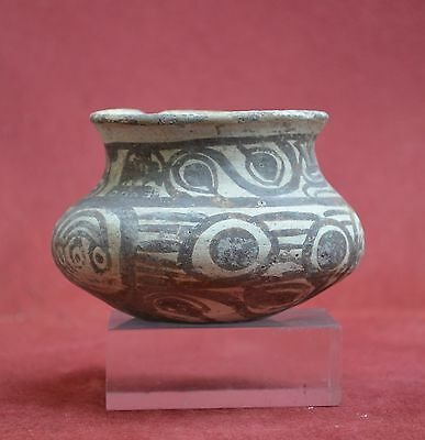 Nice Pre Columbian vessel with a painted decor, Huaztec, Mexico