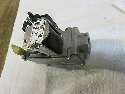 Carrier Furnace Gas Valve  White Rodgers  36J24-510 Part #  Ef32Cw211