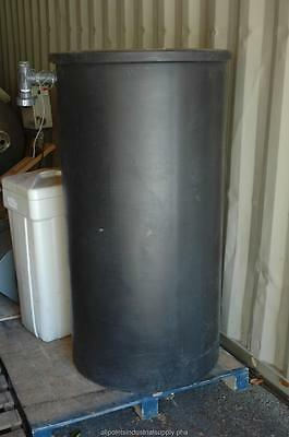 175 Gallon Black Poly Polypropylene Mixing Storage Tank with Cover