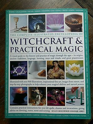 The Complete Illustrated Encyclopedia Of Witchcraft & Practical Magic GREAT!