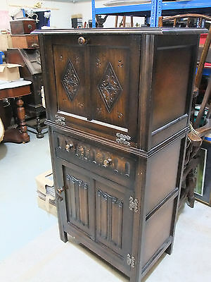 Vintage 'Old Charm' Style Oak Drinks/Cocktail Cabinet - Mid 20th C [7810]