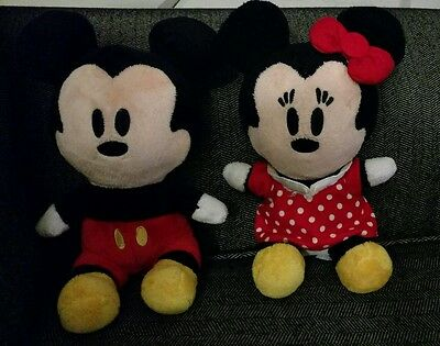 Lot of 2 Disney World Plush Mickey & Minnie Mouse World Theme Park Doll Figure