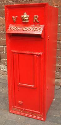Replica Royal Mail VR Red Postbox Letter Box - Cast Iron - Lockable with Keys