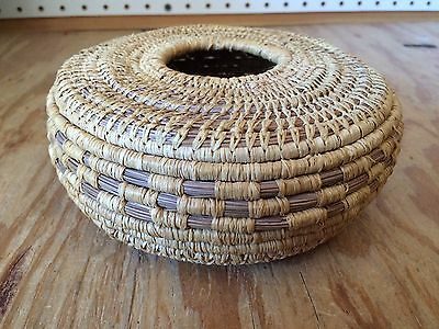 Antique Native American Basket  *SS63