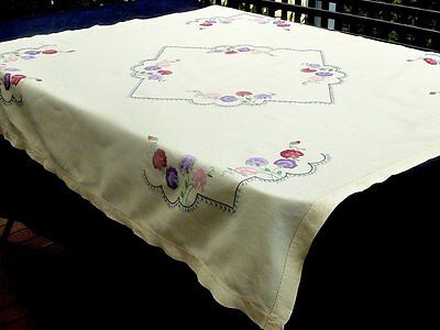 Stunning Hand Crafted Embroidered Linen Tablecloth Flowers