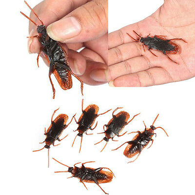 30Pcs Realistic Scary Rubber Cockroach Roach Bug Toys Halloween Chic Simulation