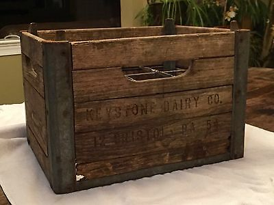 Vtg rustic metal milk crate carrier grocers dairy tote for Where can i buy wooden milk crates